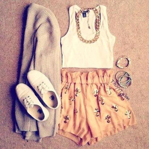 tank top blouse shorts jewels sweater