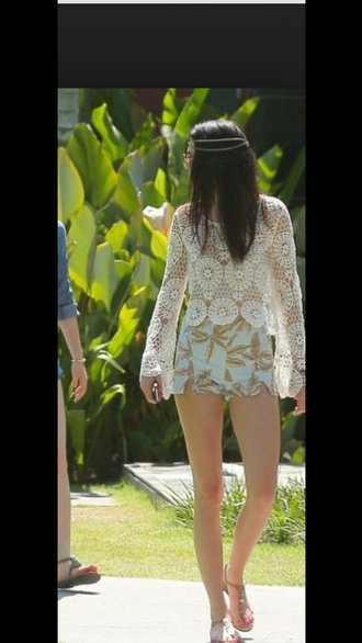 kendall jenner shorts summer shorts kardashians cute palm tree print top summer outfits