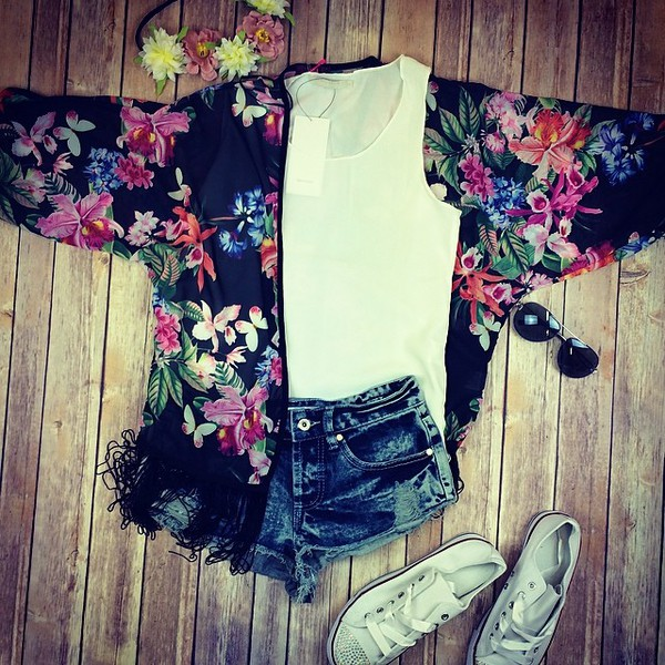 blouse www.needthatlook.com kimono kimono floral tassel shorts