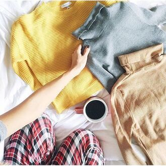 sweater lucy paris yell hiver automne mustard jaune cropped cropped sweater long sleeves winter outfits winter sweater fall sweater fall colors fall outfits revolve clothing pull comfy revolveme revolve mustard sweater