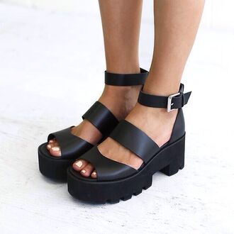 shoes black white chunky platform shoes heels buckles open toes peep toe wedges summer ankle strap sandals