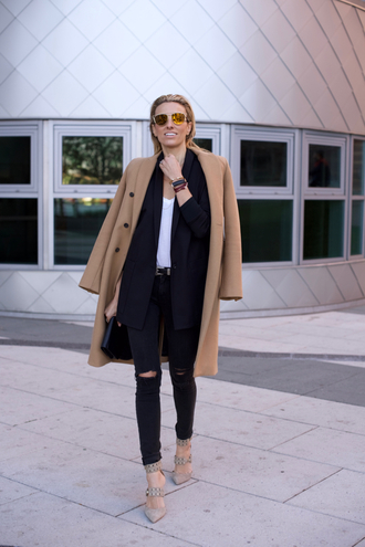 mind body swag blogger nude heels camel coat black blazer black ripped jeans