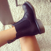 shoes,chelsea boots,chelsea,black leather,black,boots,shoewear,DrMartens,flats,leather,pretty,horse riding,cute,want to find