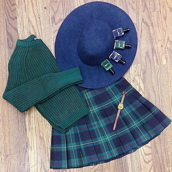 american apparel pleated skirt forest green navy plaid skirt preppy tartan black friday cyber monday