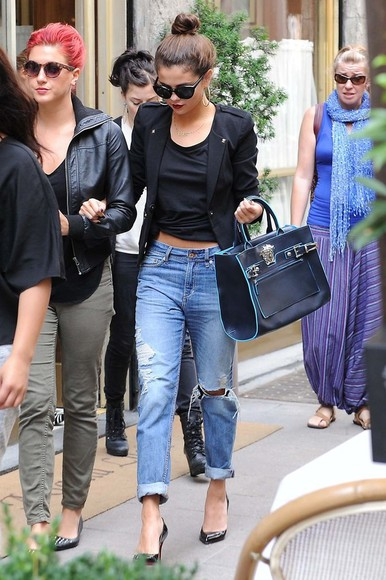 jacket black jacket bag blazer black blazer short blazer short black blazer short jacket selena gomez baggy jeans chic black crop that's chic jeans