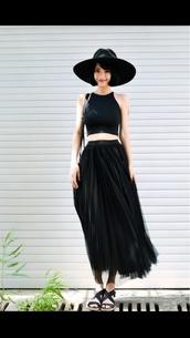 blouse,hat,skirt,shoes,goth hipster,tule skirt,all black everything,high waisted skirt,earphones,black
