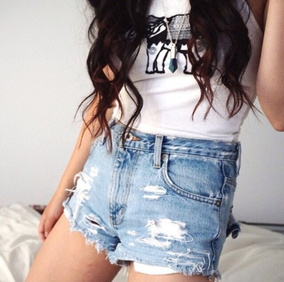 tank top necklace shorts
