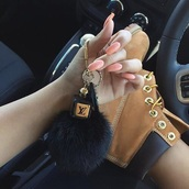 boots,timberlands,louis vuitton,fur keychain,jewels,keychain,fur,bag charm,bag bug