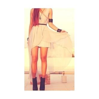 dress high-low dresses beige dress beige shoes heels black heels dip hem pink pink dress jewels jewelry waist belt