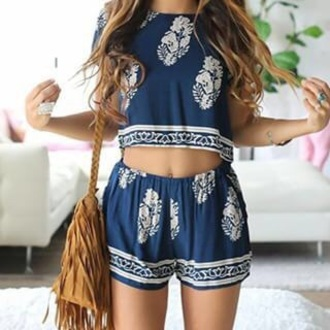 two-piece shorts top crop tops crop white crop tops summer top summer shorts printed shorts date outfit pattern style