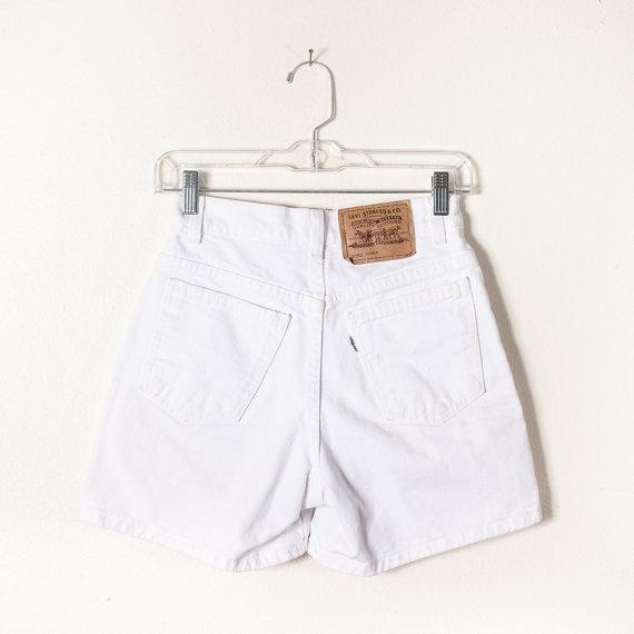 6249243f1a Vintage Levi Shorts / White Denim Shorts Festival Shorts White Jean Shorts  90s Shorts 80s Shorts Grunge Preppy High Waisted ...