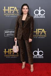 jacket,celebrity,red carpet,sophia bush,animal print,leopard print,suit