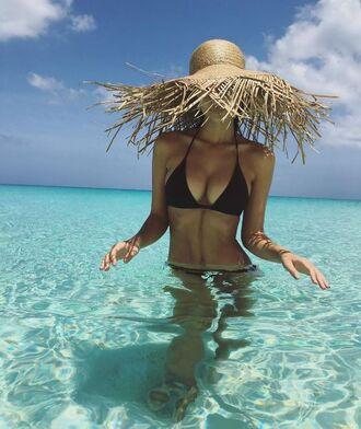 hat emily ratajkowski beach summer bikini top bikini black swimwear black bikini straw hat swimwear black abs triangle bikini