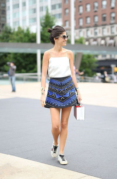 skirt mini skirt printed skirt summer outfits top white topshop high wasted jeans sneakers white sneakers leandra medina man repeller blogger top blogger lifestyle sunglasses gucci