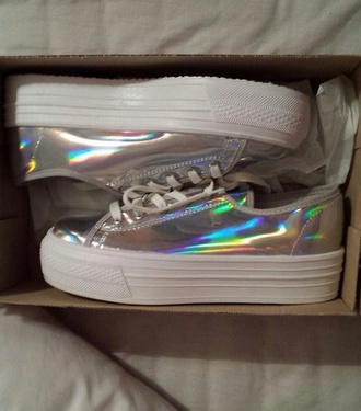 shoes sneakers plateau holographic holographic shoes hologram rainbow metallic cute alien white silver metallic shoes rainbow metallic shoes rainbow metallic coat converse platform shoes platform sneakers