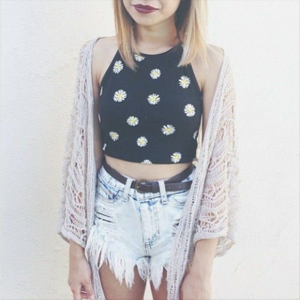 shirt daisy daisy print flowers floral floral black white yellow crop tops crop top shorts sweater