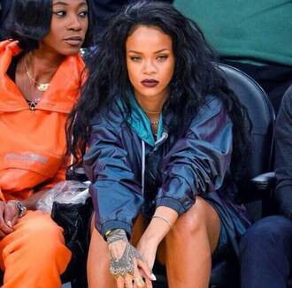 jacket rihanna style navy black lipstick make-up fleek glo windbreaker blue jacket rihanna jewels celebrity style celebrity celebstyle for less jewelry necklace choker necklace gold choker gold necklace coat shoes white high heels cat eye blue