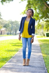 cha cha the fashion genius,blogger,top,jeans,jewels,blazer,yellow top,camel,boots,navy