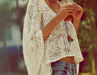 lace shirt lace shirt t-shirt white shirt white lace white top blouse clothes lace flowy top crochet top flowers flowy top batwing shorts lace top white lace top sweater chlotes laces poncho jewels high waisted shorts cute beautiful jewelry jeans oversized floral sheer flowy bohemian boho crochet lace summer top cream blouse festival crochet crop top