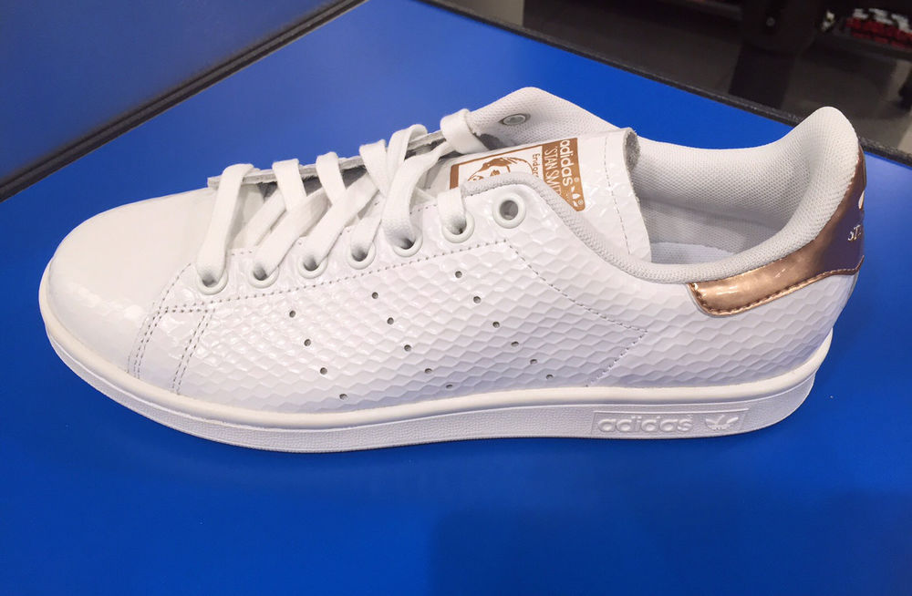 official photos 8cc80 2eea6 Adidas Originals Stan Smith Women White Snakeskin Copper Metallic Gold Sz  6-11