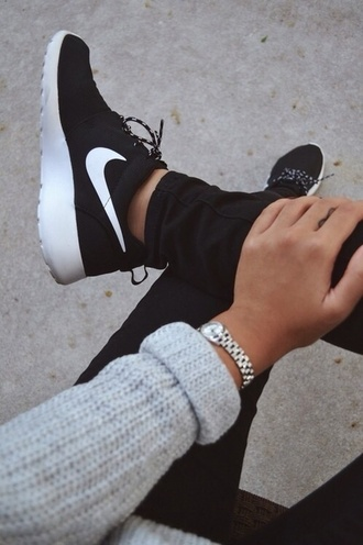 shoes roshe runs girly guys black white sneakers nike style