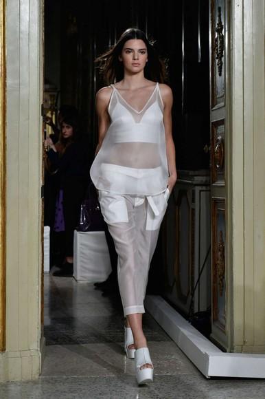 top kendall jenner white pants fashion week 2014