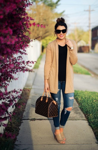 life & messy hair blogger sweater jeans top shoes sunglasses jewels bag camel cardigan cardigan black sunglasses louis vuitton louis vuitton bag black top denim blue jeans ripped jeans mules