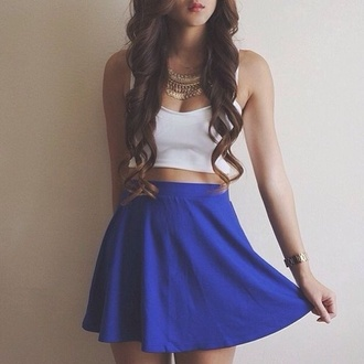 skirt jewels blue skirt azul metallic metallic skirt blue skaterskirt skater skirt bustier white bustier blue white top shirt white crop tops navy blue high waisted skirt blue skater skirt blue high waisted skater skirt girly white top crop tops outfit style hat