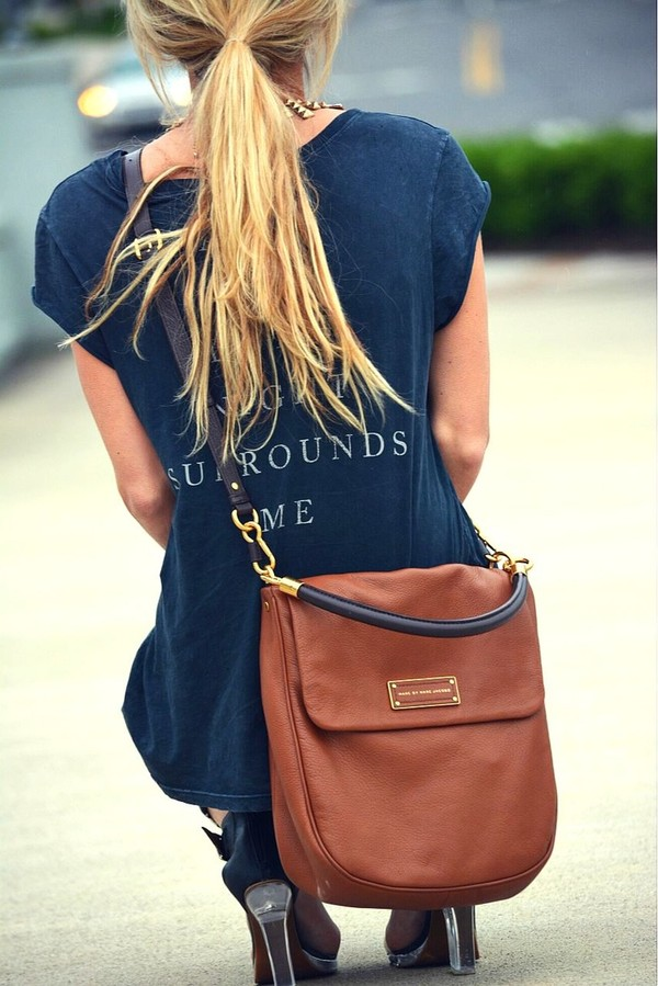bag purse brown clothes shoes shirt sweater blouse marc jacobs comfy leather cute marcjacobs fashion bag t-shirt marc by marc jacobs black crossbody bag navy navy blue t-shirt loose cuffed sleeves casual brown leather satchel leather bag camel leather satchel bag