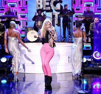 pants pink pants iggy azalea celebrity top black top blazer printed blazer boots black boots