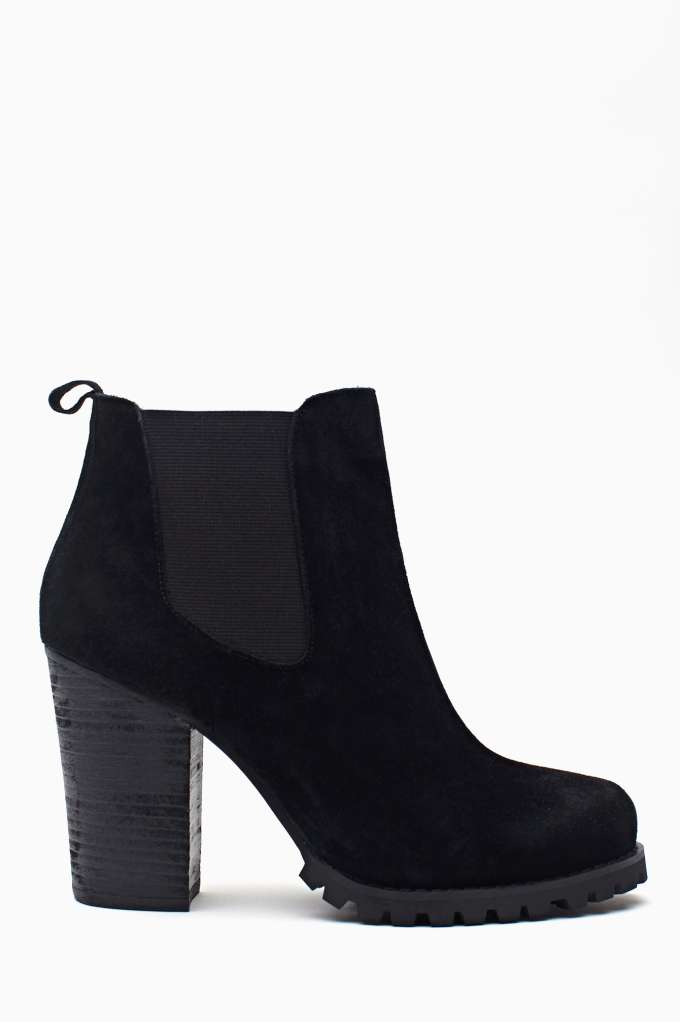 Shoe Cult Ramble Chelsea Boot in  Shoes Boots at Nasty Gal