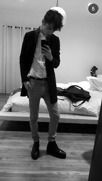 troye sivan black jacket overcoat menswear