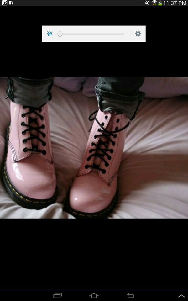 boots pastel pink DrMartens