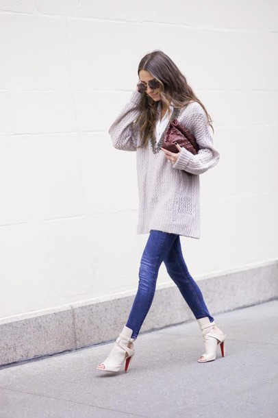 something navy blogger peep toe boots oversized sweater skinny jeans jeans shoes sweater sunglasses bag