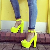 shoes,yellow,heels,bright,neon yellow heels,high heels,highlight,platform high heels,highlighteryellow,fluorescent yellow