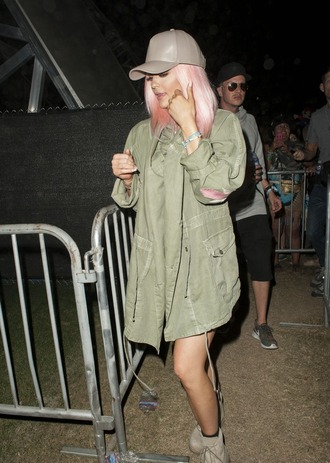 jacket hat kylie jenner coachella festival shoes
