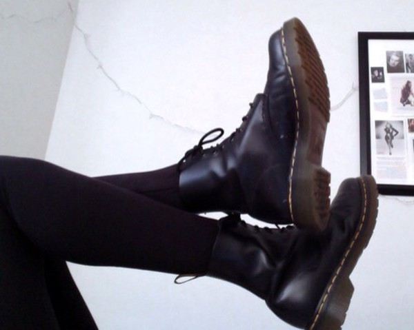 shoes DrMartens lovers + friends fashion swag yolo hipster mainstream tumblr tumblr girl