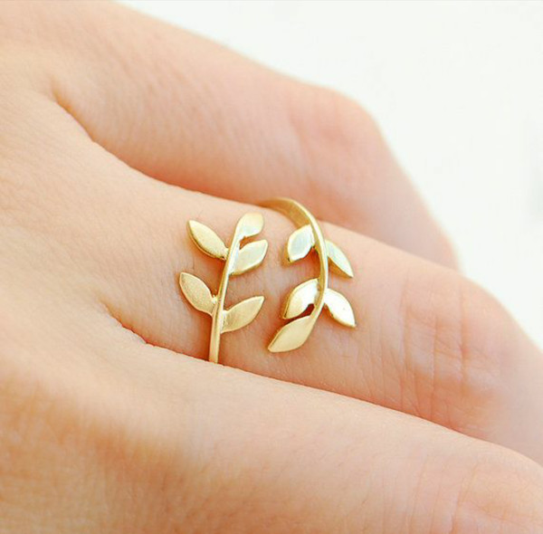 jewels ring leaves
