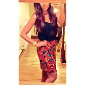 michelle heaton,celebrity style,celebrity,floral,floral skirt,assymetrical zipper,asymmetrical skirt,asymmetrical dress,bodycon skirt,mini skirt,cute outfits,party dress