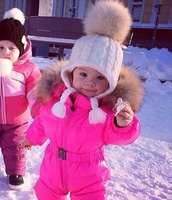 hat,pumpum,fur,white,baby clothing,pom pom beanie,winter sports