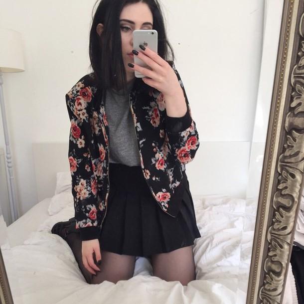 jacket veste veste cuir col rose clous baseball jacket floral fleur rose skirt jupe noir black grunge black jeans