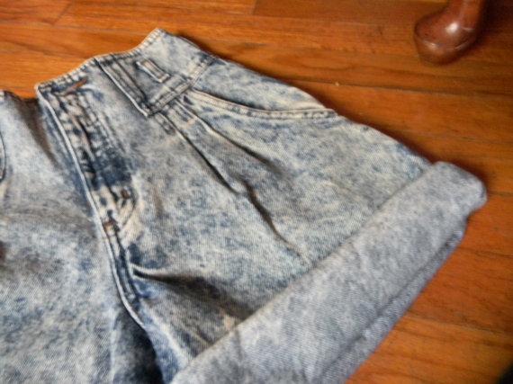 High waisted acid wash denim shorts by magicdancemagicdance