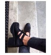 grunge,grunge shoes,grunge clothing,on point clothing,shoe game,trendy