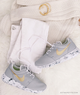extra petite blogger bag jacket grey sneakers white jeans