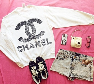 chanel black white cute
