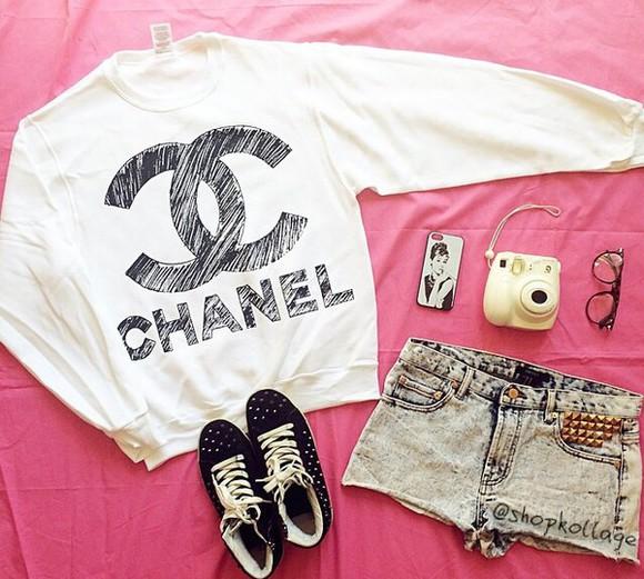 chanel black white cute