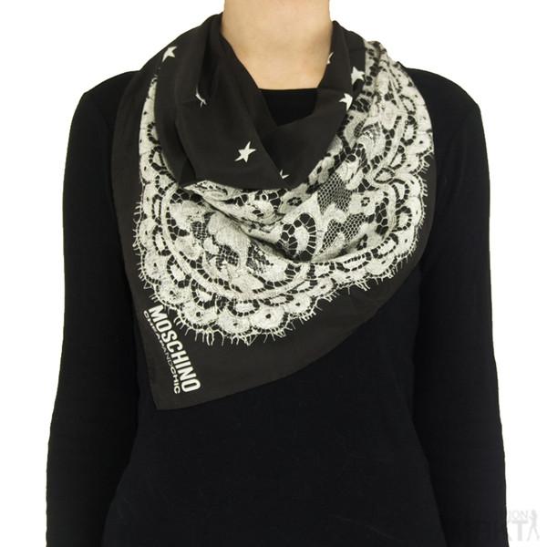 scarf moschino designer scarf celebrity style celebrity style steal moschino cheap and chic