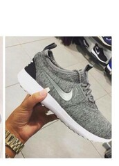 shoes,grey,grey sneakers,nike,nike shoes,nike running shoes,nike roshe run,nike sneakers,heather grey