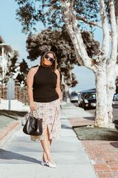 barefootinla,blogger,top,skirt,shoes,bag,sunglasses