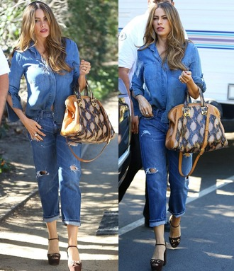 sofia vergara jeans shirt bag shoes